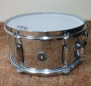 "12"" Gretsch Brooklyn snare. Mint condition."