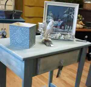Adorable Painted Table w Drawer Peterborough Peterborough Area image 3