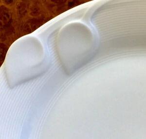 23 Piece Chloe, Fleuron Rotonde, Fine White Lines Dinner Service