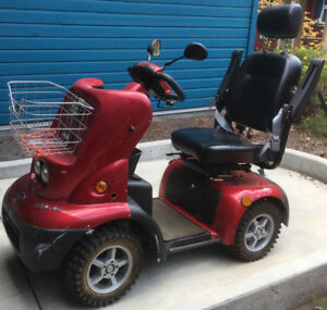 4-Wheeled Medical Scooter: Off-road / Heavy Duty