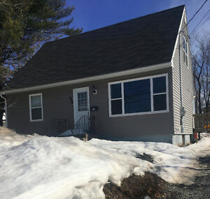 3 bedroom for rent 7 minute walk to UNB/STU May1st-Aug31st 450$