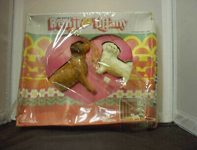 VINTAGE BREYER # 3090 BENJI & TIFFANY DOGS SET IN MOVIE SET GREECE PICTURE BOX!