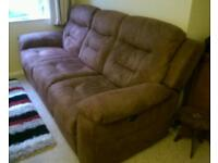 Electrically reclining sofa