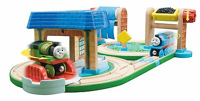 THOMAS the TRAIN & FRIENDS-EARLY ENGINEERS BUSY DAY ON SODOR SET **CLEARANCE**](Harry Potter Clearance)