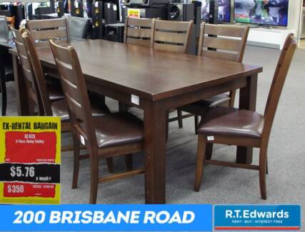 Lovely 9 Piece Dining Setting
