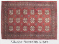 Hand knotted Pakistani rug 197 x 289 cm. Wool pile, red colour
