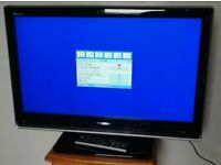 TOSHIBA 32 INCH TV HD READY, WIDESCREEN DIGITAL FREE VIEW WITH REMOTE CONTROL *BARGAIN*