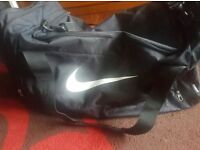 Nike Large Duffle Bag - Excellent Condition