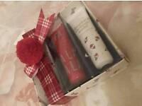 M&S gift set - 3 hand creams