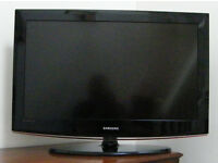 Samsung LE32B450C4W 32 Inch LCD TV HD Ready with built in freeview