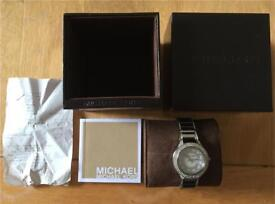 Michael Kors watch in perfect condition worn twice