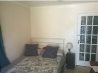 Flat for rent, includes kitchen, bath and dining rooms