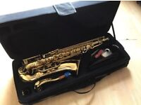 Elkhart 100TS Tenor Saxophone, 3 reeds, harness, mute, pad saver, crook mop and mouthpiece. Like New