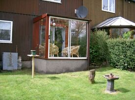*****FREE***** 8ft X 8ft Double Glazed Wooden Conservatory. Must Dismantle and Uplift ****Free****