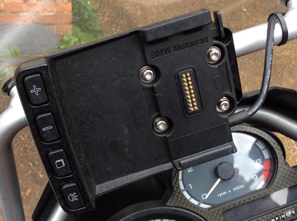 bmw motorrad garmin navigator 4 & 5 motorcycle sat nav mount zumo