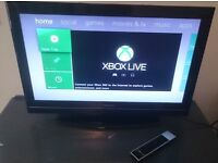 """TOSHIBA Television 32"""" Screen - Black - with remote control - FREEVIEW"""