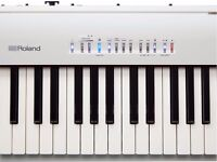 ROLAND PF 80 WHITE DIGITAL PIANO IMMACULATE CONDITION 3 YEARS WARRANTY QUICK SALE