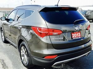 2013 Hyundai Santa Fe 2.4L FWD Low Kms! Kitchener / Waterloo Kitchener Area image 6