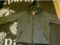 Mens nike tracksuit top medium like new to small for me