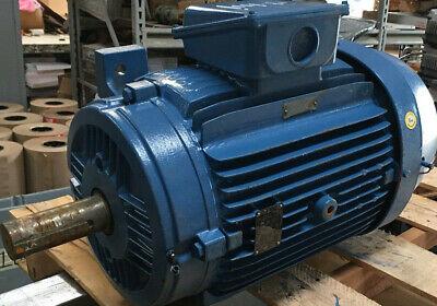Drehstrommotor 0,37 kW B3B5-230//400V 1500 U//min