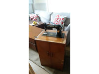 Antique Singer Treadle Sewing Machine - in wooden cabinet