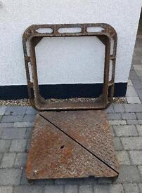 Drain manhole