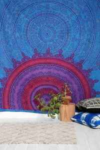 Urban Outfitters tapestry / tapisserie