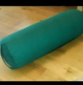Yoga bolster cushion with handle