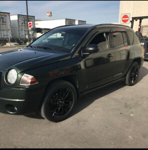 Jeep Compass just in time for winter , lots of extras