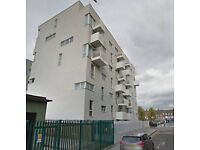 LARGE 2 BEDROOM FLAT IN BARKING. SOME BILLS INCLUDED. CLOSE TO SHOPPING CENTRE & BARKING STATION.
