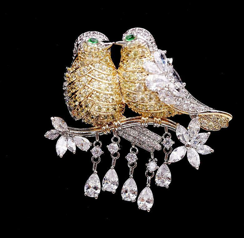 New Noble Rose Gold Zircon Crystal Woman Magpie Bird Brooch Pin Parrot Gifts
