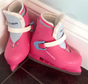 Bauer Lil Angel ll Girl's Ice Skates (YTH size 8/9) hot pink!