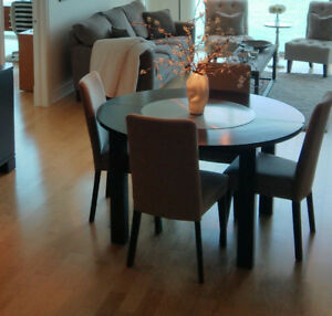 Modern Solid Wood Round Family Kitchen Dining Room Table With 4