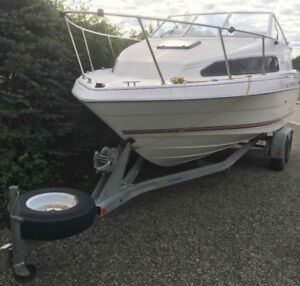 22' Bayliner Classic with V6 inboard & 30 HP outboard