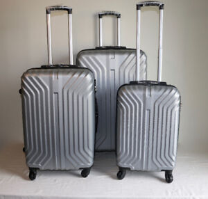 Brand New 3 pcs Silver Luggages Hardcover Set