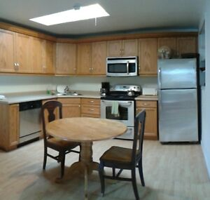 Spacious 1+ Den Great Downtown Woodfield Location