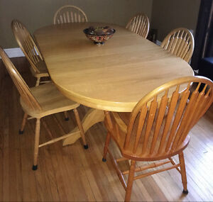 Solid Oak Dining Set - 8 Pieces + Extra Leaf