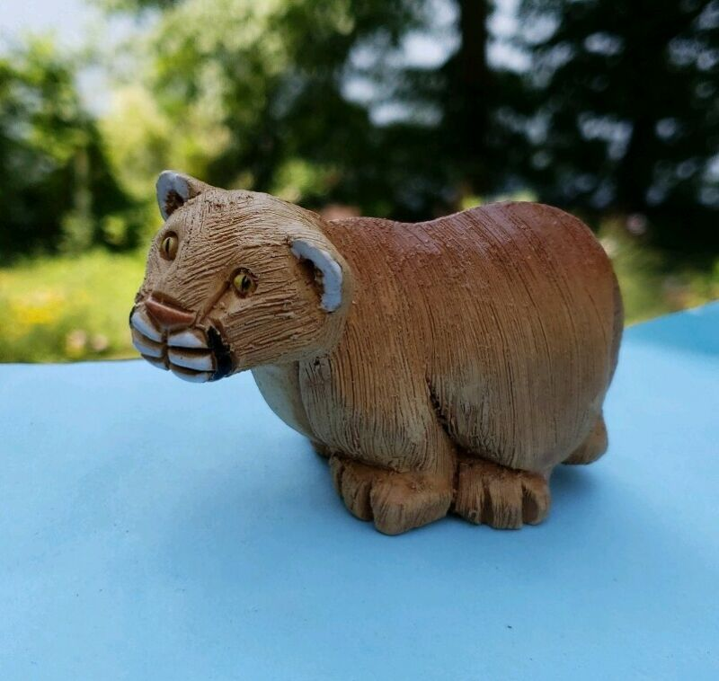 Vintage Mountain Lion Cougar Cat Signed Figurine
