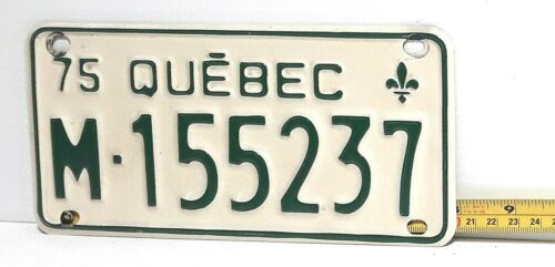 QUEBEC - 1975 motorcycle license plate - very nice green on white
