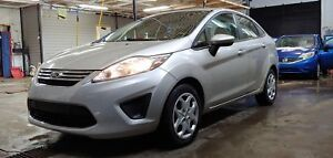2012 Ford Fiesta SE 30$/semaine