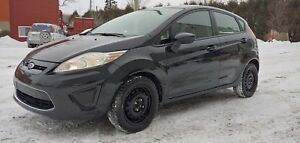 2011 Ford Fiesta SE 29$/semaine