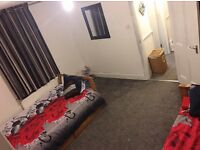 STUNNING 4 BEDROOM HOUSE LOCATED IN LEEDS SWAP TO LONDON