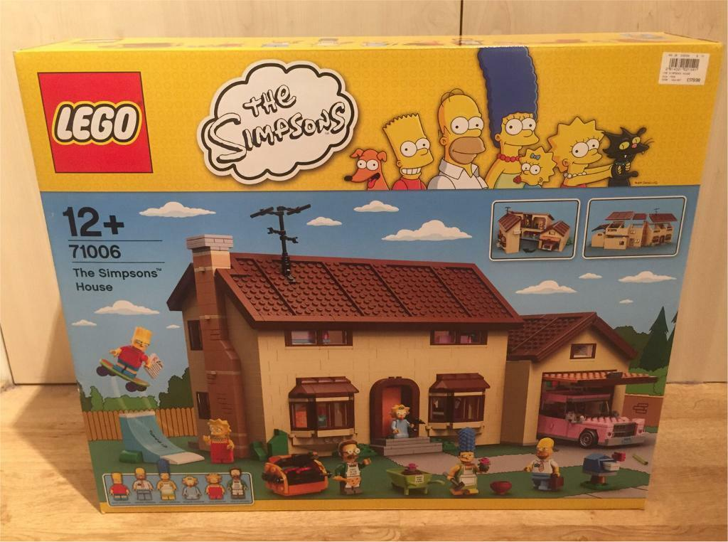 Brand new sealed Lego Simpsons House, with a set of series 1 & 2 Simpsons Minifigures