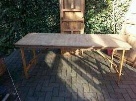 Foldable wooden tables