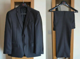 Mens Suit ideal for Christmas Party, Wedding ***excellent condition***
