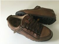LADIES WALKING/HIKING SHOES. SIZE 6.5 (40)