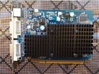 Sapphire Radeon HD 4350 - 2 x Dual Link DVI - Passively cooled - PCI Express x 16