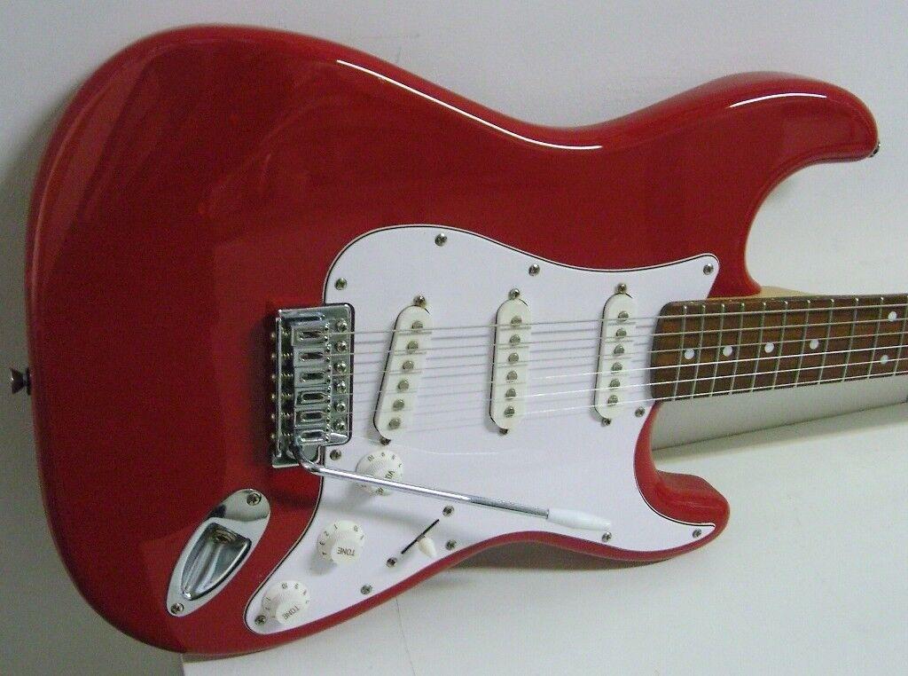 bdf30449ae Fender Squier Strat | in South East London, London | Gumtree