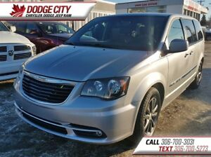 2016 Chrysler Town & Country S | FWD | PST PAID - Heated Leather