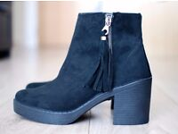 Topshop Black Boots Size 7 / NBW